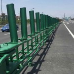 Easy open type anti-collision guardrail